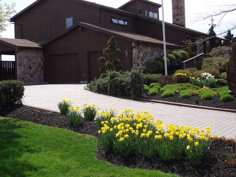 Garden Design: Garden Design with Driveway Design Ideas Landscaping ...